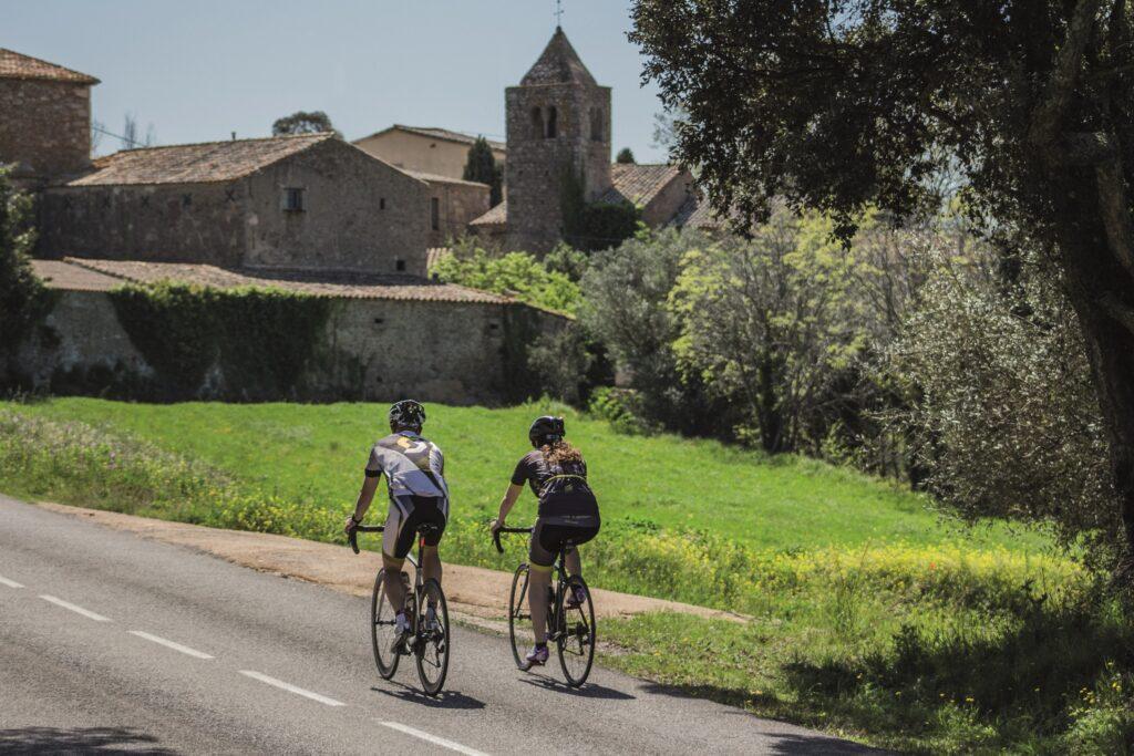 Pujada dels Àngels (Gironès) i Santa Pellaia