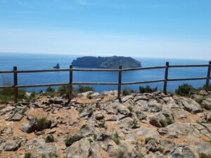 De Cap de la Barra a cala Calella